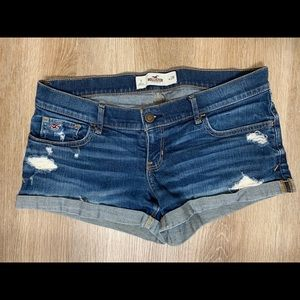 Hollister Distressed Shorts — Women's 7/28